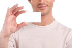Tomt affärskort i en hand. royaltyfria foton