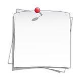 Tomt anmärkningspapper för vit med det röda pushstiftet Arkivbild