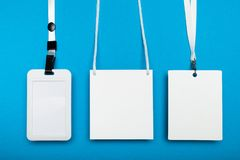 Tomt emblem och kabel, tillträde som annonserar, bemyndigande I kulisserna kort fotografering för bildbyråer