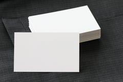 Tomt för packeaffär för företags identitet kort med mörka grå färger su arkivbild