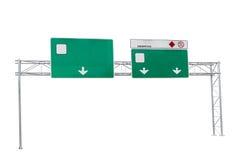 tomt grönt huvudvägvägmärke som isoleras på vit bakgrund royaltyfri bild