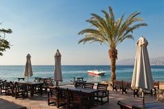 Tomt kafé i ottan på Röda havet royaltyfri foto