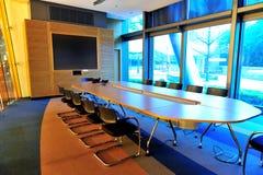 Tomt kontorskonferensrum Arkivfoto