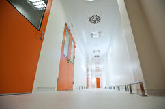 tomt långt för korridor Royaltyfri Bild