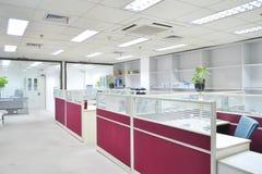 tomt modernt kontor Arkivbild