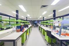 Tomt modernt medicinsk forskninglaboratorium Fotografering för Bildbyråer