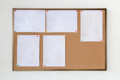 Tomt papper på hardboard Arkivfoton