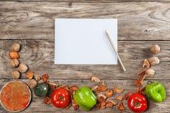 Tomt receptpapper med grönsaker Royaltyfri Fotografi