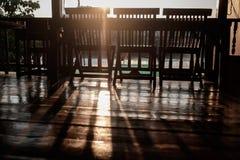 Tomt sommarmorgonkafé Inget inom arkivbild