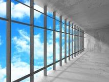Tomt stads- tömmer ruminre med fönster till himmel Arkivbilder