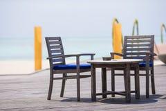 Tomt utomhus- kafé för sommar på den exotiska ön i det indiska havet Arkivfoton