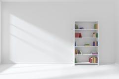 Tomt vitt rum med bokhyllaminimalistinre Arkivfoton