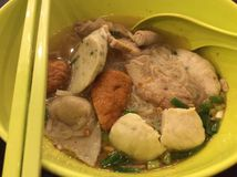 Tomyum-Fischballnudel in Thailand Stockfoto