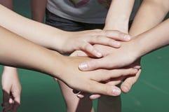 Tonår i gymnastiksal Royaltyfri Bild