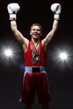 Tonårig boxare med många medaljer Royaltyfri Foto