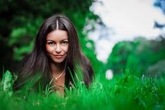 Tonårig flicka för brunett Royaltyfri Fotografi