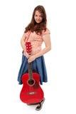 Tonårig flicka med gitarren Royaltyfri Bild