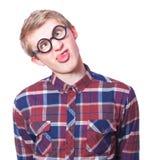Tonårig pojke i nerdexponeringsglas. Arkivfoto