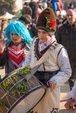 Tonårigt pojkehandelsresandedeltagande i festivalen royaltyfria bilder