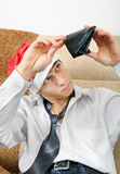 Tonåring med den tomma plånboken Arkivfoto