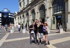 Tonåringar i Lille, Frankrike Royaltyfria Bilder