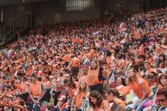 50 000 tonåringar tar delen i en religiös ceremoni på San Siro stadion i Milan, Italien Royaltyfria Bilder