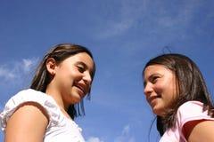 tonåringar två Arkivfoton