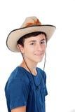 Tonåringpojke med en cowboyhatt Arkivfoto