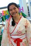 Tonårs- flicka i kinesisk dräkt Royaltyfri Foto