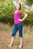 Tonårs- flicka med inställning Royaltyfri Bild