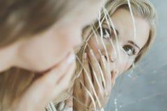 Tonårs- flicka med schizofreni royaltyfri foto