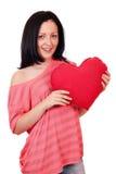 Tonårs- flicka med stor röd hjärta Royaltyfri Foto