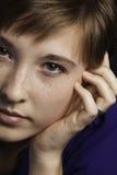 Tonårs- flickaframsidaClose upp Royaltyfria Bilder