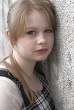 tonårs- flickaheadshot Arkivbild