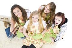 tonårs- kockar Fotografering för Bildbyråer