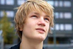 tonårs- pojke Arkivfoto