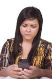 tonårs- texting för bekymrad flicka Arkivfoto