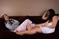 tonårs- uttråkade flickor Arkivfoto