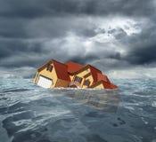 Tonąć dom w morzu fotografia royalty free