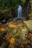 Ton Sai-Wasserfall in Phuket, Thailand lizenzfreie stockbilder