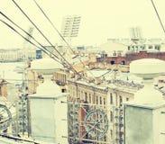 Tonad scape StPetersburg Ryssland för stad för överkant för tak för tappningkortsikt royaltyfri bild
