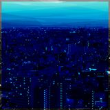 Tonalità di paesaggio urbano di poli progettazione bassa blu immagine stock libera da diritti