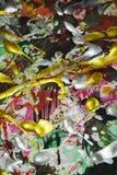 Tonalités foncées d'or rouge vert blanc jaune foncé de rose d'argent d'aquarelle de peinture, fond abstrait Image stock