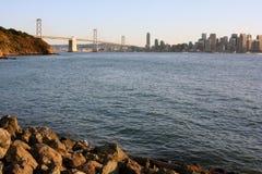 Toneel baai, brug, stad in Californië Stock Afbeelding