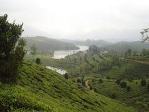 Toneel heuvels en rivier Stock Afbeelding