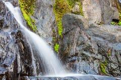 Toneel kleine waterval bij het noorden in Thailand Royalty-vrije Stock Foto