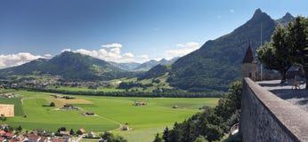 Toneel mening van oud kasteel, Gruyère (Zwitserland) Stock Fotografie