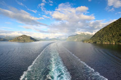 Toneel meningen van Geirangerfjord (Noorwegen) Stock Foto's