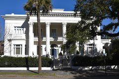 Toneel oude huizen in Charleston South Carolina royalty-vrije stock afbeelding