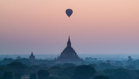Toneel vóór zonsopgang in bagan myanmar Royalty-vrije Stock Afbeelding